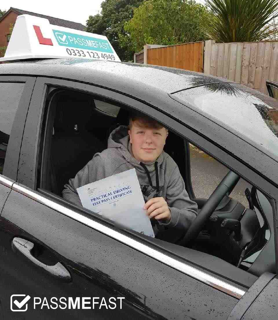 Pass photo of PassMeFast learner Kayley