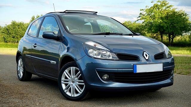 A blue Renault Clio