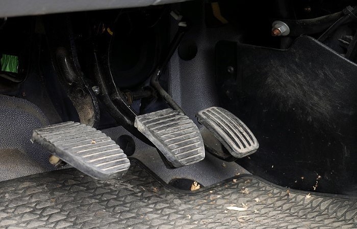 Foot pedals in a car