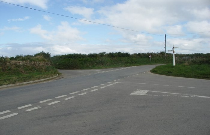 Empty crossroads near Pelynt