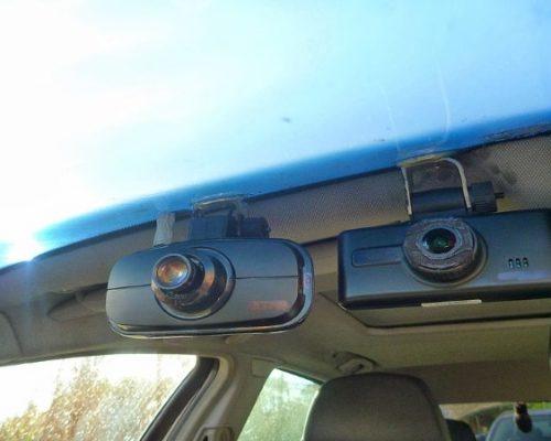 dash cams facing outward from windscreen