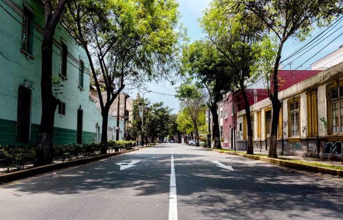 empty-street-in-peru