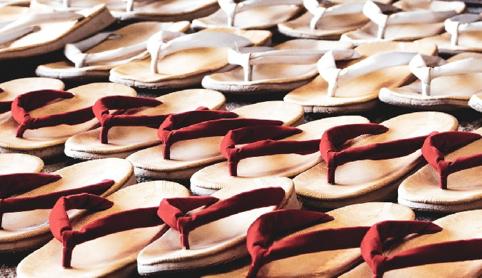 Multiple pairs of flip flops