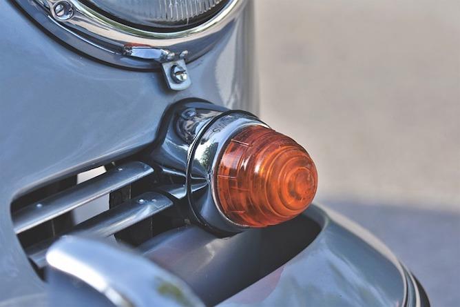 A Porsche indicator light