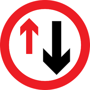 Priority to vehicles coming from the opposite direction