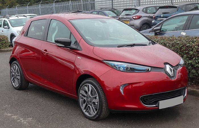 Red Renault Zoe 2019