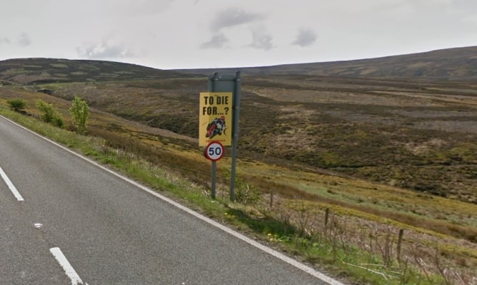 """""""To die for"""" warning sign at the side of the Snake Pass"""
