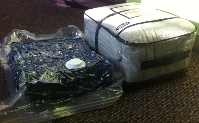 Vacuum bag and suitcase